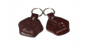 Giusypop leather key chain embossed in cat's paw form