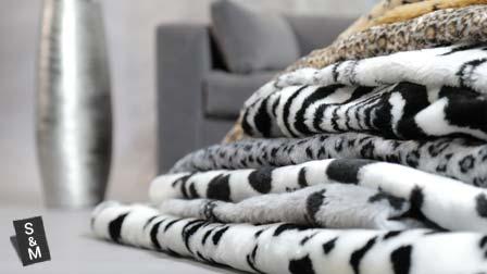 Rectangular faux fur cushion covers